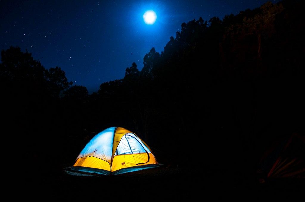 Un camping en fin septembre en France